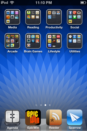 Home screen with folders.