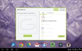 Go Launcher features gesture commands.